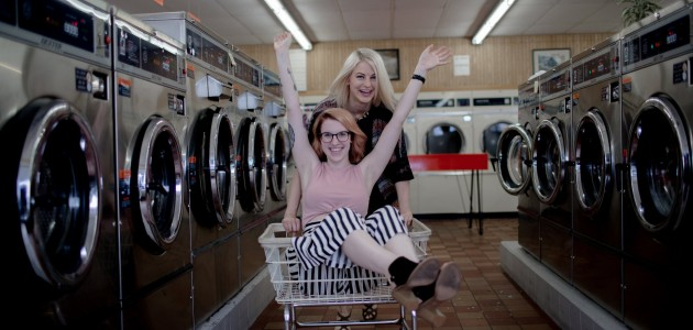 Went to the laundromat but didn't do our laundry | Best friend shoot